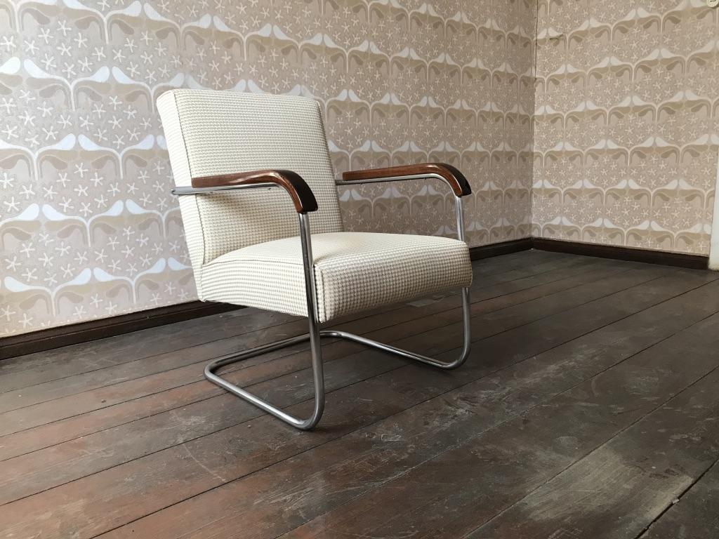 Freischwinger Sessel